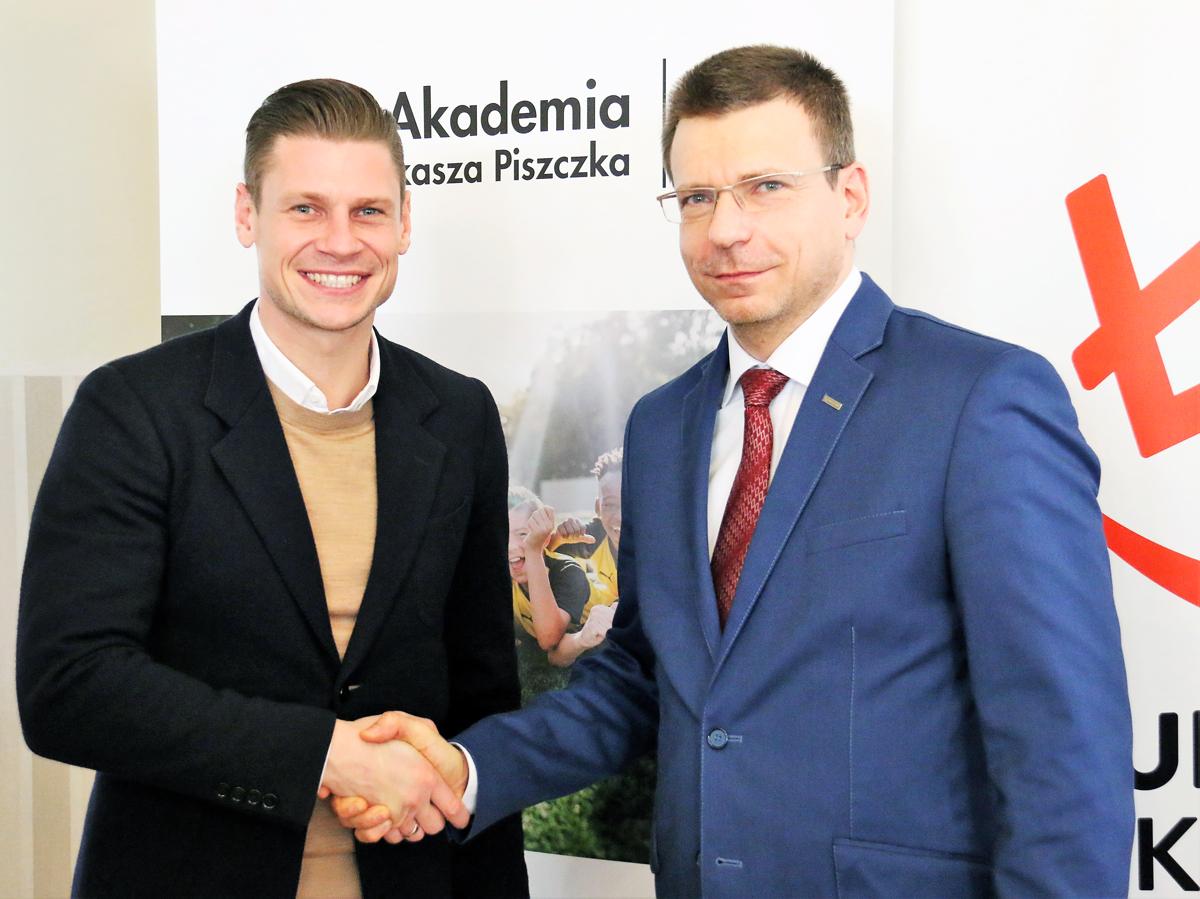 lukasz-piszczek-przedluzyl-kontrakt-z-marka-KRISPOL-1