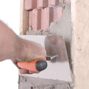 Jak przygotować otwory pod montaż okien na budowie?
