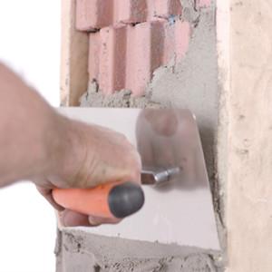 Wie sollte man die Öffnungen für die Fenstermontage auf der Baustelle vorbereiten?