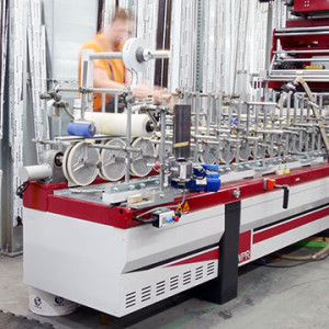 KRISPOL investiert in die Entwicklung des Maschinenparks: eine neue Kantenleimmaschine von WPR